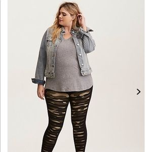 Slashed camo leggings